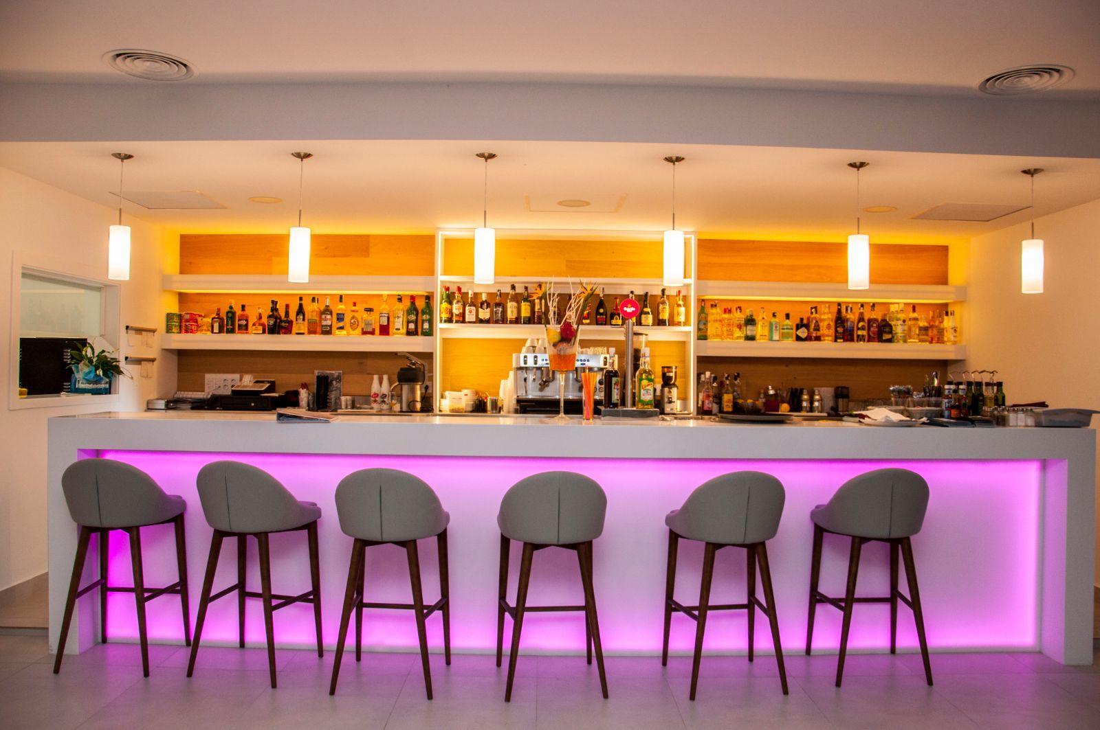 Restaurante Apartamentos Menorcamar